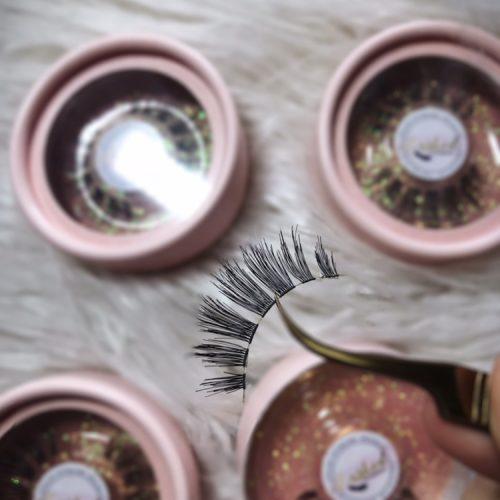 Strip lashes